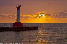 Oakville lighthouse at sunrise