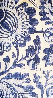 The distressed quality really adds charm - French General Motifs Textiles, Textile Patterns, Textile Design, Color Patterns, Print Patterns, Floral Patterns, Arabesque, Pattern Art, Pattern Design