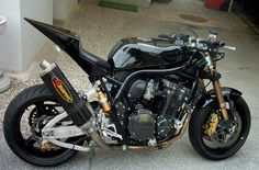 Black Bandit with Akrapovic