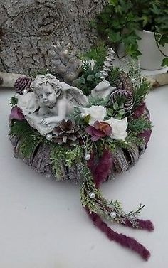 Grabgesteck Grabschmuck Allerheiligen Totensonntag Kranz Engel Rosen Grave Arrangement Grave Jewelry All Saints Day Dead Sunday Wreath Angel Roses Christmas Yard, Primitive Christmas, Christmas Wreaths, Christmas Ornaments, Funeral Flower Arrangements, Funeral Flowers, Casket Flowers, Cemetery Decorations, Cemetery Flowers