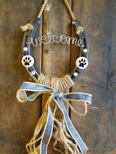 Best 12 BANGKOK – Lucky horseshoe, asian art, horseshoe, unique gift – Page 819444094683359631 – SkillOfKing. Horseshoe Projects, Horseshoe Crafts, Horseshoe Art, Horseshoe Decorations, Horse Decorations, Lucky Horseshoe, Gifts For Horse Lovers, Dog Lover Gifts, Gift For Lover