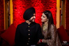 Sikh Wedding, Wedding Pics, Beautiful Couple, Beautiful Bride, Wedding Reception Makeup, Royal Blue Lehenga, Sabyasachi Sarees, Indian Bridal Outfits, Bridal Photoshoot