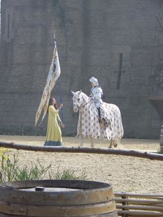 puy du fou (fr) Jeanne D'arc, Medieval Times, Minne, Knights, Attraction, France, History, Beautiful, Time Travel