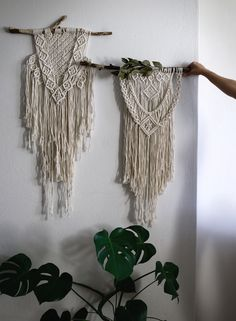 Macramé wall decoration DIY