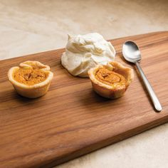 Mini Pumpkin Pies - The combination of Cinnamon, Ginger, and Clove makes for a pumpkin pie filling that is warm and spicy. Made with Clove, Ginger, Cassia (or Cinnamon Bark) Essential Oils. Mini Pumpkin Pies, Pumpkin Pie Recipes, Mini Pumpkins, Fall Recipes, Mini Pies, Drink Recipes, Sweet Recipes, Snack Recipes, Cooking Recipes