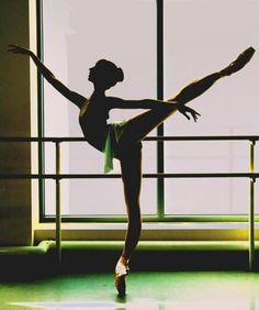 detrás de cada movimiento perfecto hay horas y horas de ensayo.