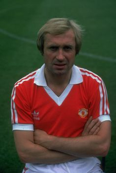 Portrait of Jimmy Greenhoff of Manchester United at Old Trafford in Manchester England Mandatory Credit Allsport UK /Allsport Manchester United Players, Manchester United Football, Old Trafford, Man Utd Squad, Retro Football, Vintage Football, Association Football, Premier League Champions, Manchester England