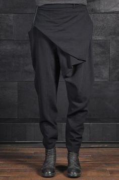 Alessandra Marchi – Asymmetric Wool Pants! If only I could pull this off and didn't have hips!