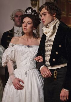 to ] Great to own a Ray-Ban sunglasses as summer gift.Vanessa Kirby as Estella and Douglas Booth as Pip in Great Expectations Douglas Booth, Period Costumes, Movie Costumes, Historical Costume, Historical Clothing, Little Dorrit, Vanessa Kirby, Movies And Series, Jeremy Irvine