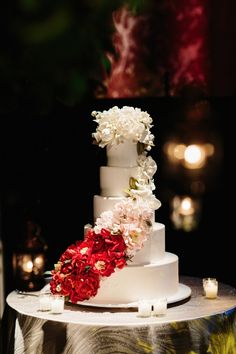 #Wedding Cake #White&Red #Flowers #Reception #Candles