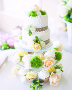 Unique white wedding cake | Cravings by Rochelle | MGB Photo #wedding
