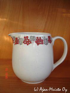 Arabia Kitchenware, Tableware, Dinner Ware, Vintage Dishes, Scandinavian Style, Finland, Stuff To Do, Retro Vintage, Nostalgia