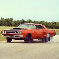 1969 Dodge Super Bee, gettin' it ! Plymouth Muscle Cars, Dodge Muscle Cars, Dodge Super Bee, 70s Cars, Dodge Coronet, American Muscle Cars, Mopar, Custom Cars, Cool Cars
