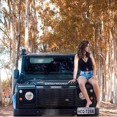 🌞@defendergirls 🌞 📸 🌞#landrover #landroverdefender #love #girl #girls #defender #summerlove #defenderlove #adventurethatislife #adventures #temptation #woman #look #pretty #beautiful #surf #beach #fun #beauty #fashion#style #fashionstyle... Land Rover Defender, Defender 110, Trucks And Girls, Car Girls, The Future Movie, Landrover, Girl D, Girls Series, Range Rover