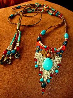~ Weaving jewelry with Macrame bead work ~ - - ~ Weaving jewelry with Macrame bead work ~ takılar ~ Schmuck mit Makramee Perlen weben ~ Textile Jewelry, Macrame Jewelry, Fabric Jewelry, Bohemian Jewelry, Colar Boho, Artisan Jewelry, Handmade Jewelry, Pin Weaving, Beaded Necklace