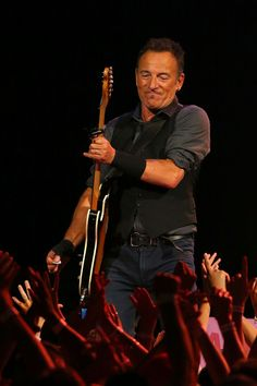Bruce Springsteen - Bruce Springsteen Performs in Perth, Australia 2014