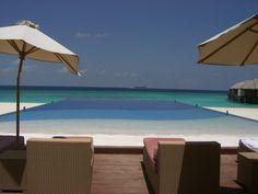 Blue gradation in the Maldives