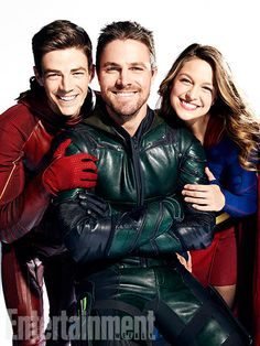 The Flash - Grant Gustin Green Arrow - Stephe Amell Supergirl - Melissa Benoist Supergirl Dc, Supergirl And Flash, Green Arrow, Series Dc, Super Heroine, Superhero Shows, Mitch Lucker, The Flash Grant Gustin, Dc Tv Shows