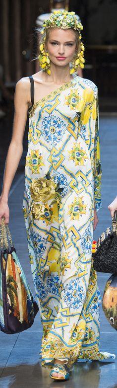 Dolce   Gabbana Collection Spring 2016 RTW ❤ Belezas Exóticas, Roupas  Coloridas, Moda Beleza 3f3b7467ab