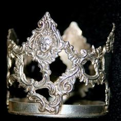 Turkey 1- This an ancient Anatolian Celtic, Galatian crown just unearthed.