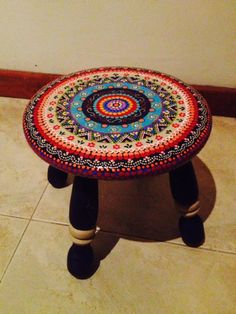 Get Information home decorations ideas and Indian style painted table bench stool Funky Painted Furniture, Painted Chairs, Recycled Furniture, Paint Furniture, Furniture Projects, Furniture Makeover, Cool Furniture, Painting Kitchen Chairs, Deco Originale