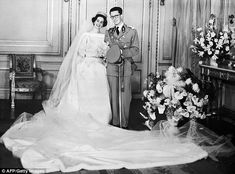 Marriage: Queen Fabiola and the late King Baudouin  during their wedding at the royal castle in Brussels on Dec.15,1960