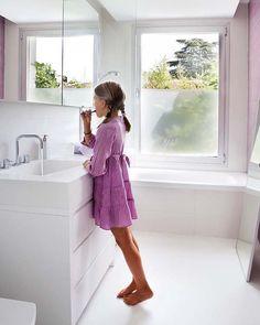 Cuarto de baño integrado en el dormitorio infantil
