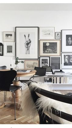 Loving this wall gallery