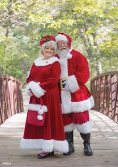 Mark and Sherry Chandler are local celebrities. You might not recognize them when they are disguised as regular folks, but once the Santa and Mrs. Claus costumes go on, they're unmistakably rockstars, 360 West Magazine, December 2015 Mrs Claus Outfit, Mrs Santa Claus Costume, Santa Costumes, Santa Clause, Christmas Scenes, Christmas Art, Christmas Holidays, Christmas Christmas, Santa Outfit