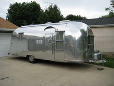 1958 Caravanner Airstream @Rebecca Pressley can tyler and I park this bad boy in your side yard for a couple years? haha... but seriously