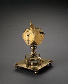 Cadran solaire multiple polyédrique aux armes de la Grande Mademoiselle. Sevin Pierre (actif de 1662 à 1685) (C) RMN-Grand Palais (musée du Louvre) / Jean-Gilles Berizzi