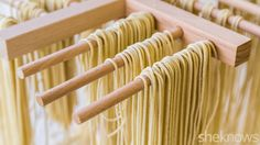How to make ramen noodles from scratch! All you need is some flour, water, sodium carbonate (you can make it by baking baking soda low in the oven), and salt. No special equipment needed, but a pasta maker would help! Ramen Noodle Recipes Homemade, Ramen Recipes, Homemade Pasta, Asian Recipes, Cooking Recipes, Mie Noodles, Fresh Ramen Noodles, Asian Noodles, Gastronomia