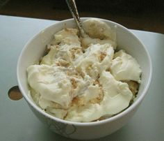 Magnolia Bakery banana cream pudding copycat recipe. I've made this several times now, and it. is. GOOD.