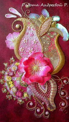 Роза Андреева (Rosa Andreeva) creates most beautiful embroidery - Fusion of… Jacobean Embroidery, Hand Work Embroidery, Silk Ribbon Embroidery, Hand Embroidery Patterns, Embroidery Stitches, Brazilian Embroidery, Ribbon Art, Gold Work, Embroidery Techniques