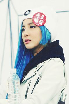 Sandara Park♥ not even trying to hide her sidecut growth and rockin it. 0.0
