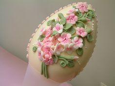 White chocolate egg by Paoletta_64, via Flickr