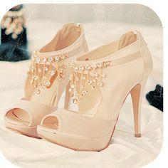 loving these peep toe booties...