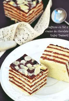 Sheet cake and chocolate cream Fudge Recipes, Sweets Recipes, No Bake Desserts, Just Desserts, Cake Recipes, Cooking Recipes, Romanian Desserts, Romanian Food, Sweets Cake