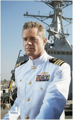 'THE LAST SHIP' WITH ERIC DANE Clean shaven