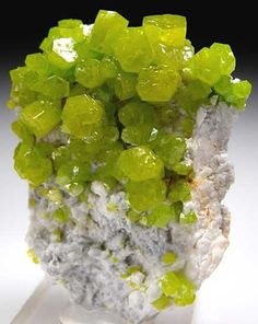 Pyromorphite on Quartz from Daoping Mine, Guangxi Prov., China