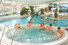 Heerlijk ontspannen in het bubbelbad van Zwembad De Brake.