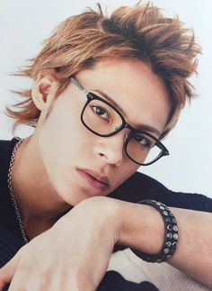 Kamenashi Kazuya in GokusenII - Odagiri Ryu ❤❤ Absolutely stunning. :( Ryu x Hayato, never again. Japanese Men, Asian Actors, Asian Boys, Absolutely Stunning, Cute Boys, Hot Guys, Fangirl, Idol, Handsome