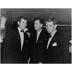 Happy New Year from the east coast! 2015 was a great year shared with you all and I only hope to share even more media  stories about the Kennedy family with you all this year! Have a wonderful and safe holiday! #happynewyear #newyear #tedkennedy #emk #jfk #rfk #teddykennedy #senatorkennedy #presidentkennedy #robertkennedy #bobbykennedy #robertfkennedy #jackkennedy #johnfkennedy #johnkennedy by kennedyjunkie
