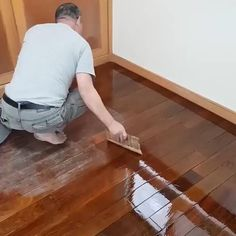 Works on different wooden furniture from tables to doors to cabinets and even in wood carvings. Diy Furniture Renovation, Furniture Repair, Furniture Makeover, Scratched Furniture, Household Cleaning Tips, House Cleaning Tips, Cleaning Agent, Cool Gadgets To Buy, Diy Home Repair