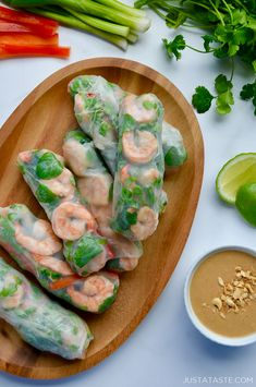 These Thai Spring Rolls are loaded with fresh veggies and herbs and can be made with your choice of shrimp, chicken, tofu or entirely veggies. But what are spring rolls without peanut sauce? Thai Spring Rolls, Shrimp Spring Rolls, Summer Rolls, Sauce For Spring Rolls, Vietnamese Fresh Spring Rolls, Homemade Spring Rolls, Healthy Spring Rolls, Veggie Spring Rolls, Chicken Spring Rolls