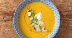 Sopa fría de zanahoria, coco y jengibre Veggie Recipes, My Recipes, Favorite Recipes, Healthy Recipes, Avocado Soup, Avocado Pasta, Good Food, Yummy Food, Salty Foods