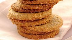 Sprø ostekjeks Cookie Exchange, Scones, Biscuits, Tin, Pancakes, Cooking Recipes, Breakfast, Desserts, English Muffins