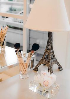 Paris lamp and makeup stand ..soo adorable!i want this in my room!