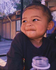 Kylie Jenner Baby, Jenner Kids, Looks Kylie Jenner, Jenner Family, Kylie Jenner Style, Cute Baby Girl, Cute Babies, Travis Scott Kylie Jenner, Trajes Kylie Jenner