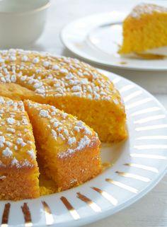 Torta de zanahorias, fácil, rápida, esponjosa y suavecita.